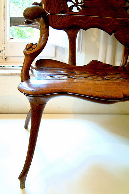 art nouveau furniture reproductions. calvet Spain company that